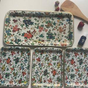 Vintage Daher tin trays set of 5